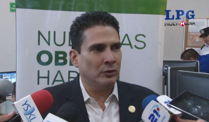 Roberto d'Aubuisson, alcalde de Santa Tecla, El Salvador. (Foto Prensa Libre: La Prensa Gráfica).