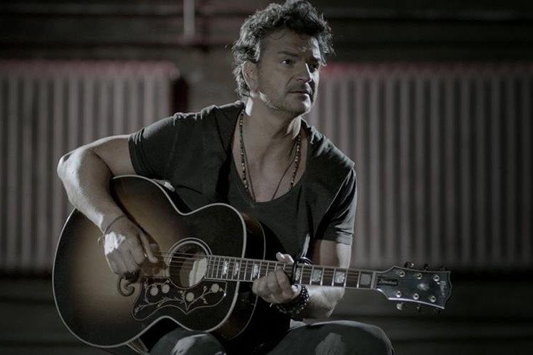 Ricardo Arjona grabó las imágenes de su nuevo videoclip en un teatro de Nueva York. (Foto Prensa Libre: Cortesía Metamorfosis)