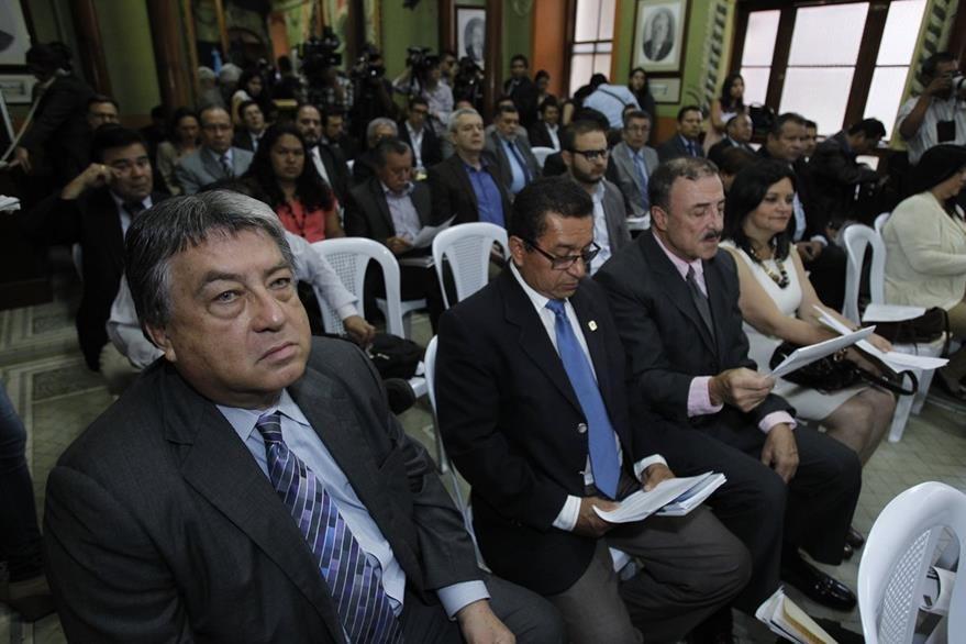 Fiscales de los partidos políticos respaldaron al pleno de magistrados del TSE. (Foto Prensa Libre: Paulo Raquec)