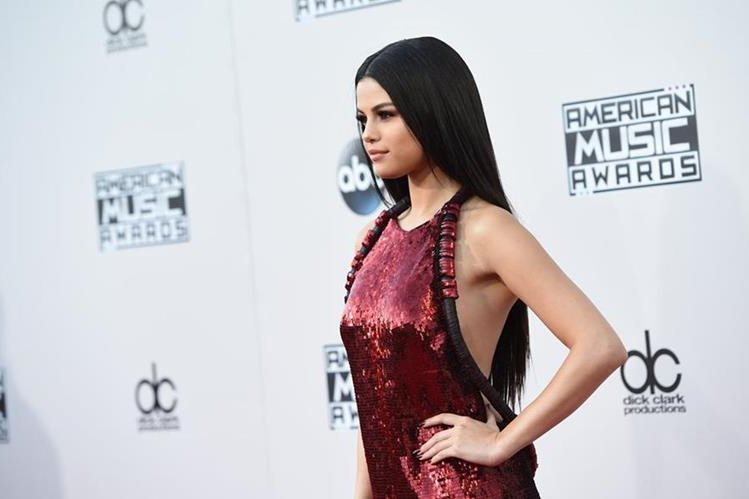Llama 'fea' Stefano Gabbana a Selena Gomez