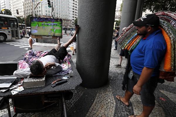 En Río de Janeiro se acumulan los problemas en apenas cinco días de las justas. (Foto Prensa Libre: EFE)