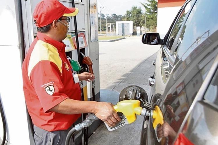 Consumo de gasolinas continúa incrementando. (Foto Prensa Libre: Hemeroteca PL)