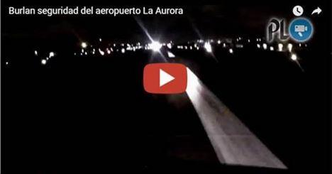 El video, que resultó ser un montaje, mostraba una invasión a la pista central del Aeropuerto. (Foto Prensa Libre: Hemeroteca PL)