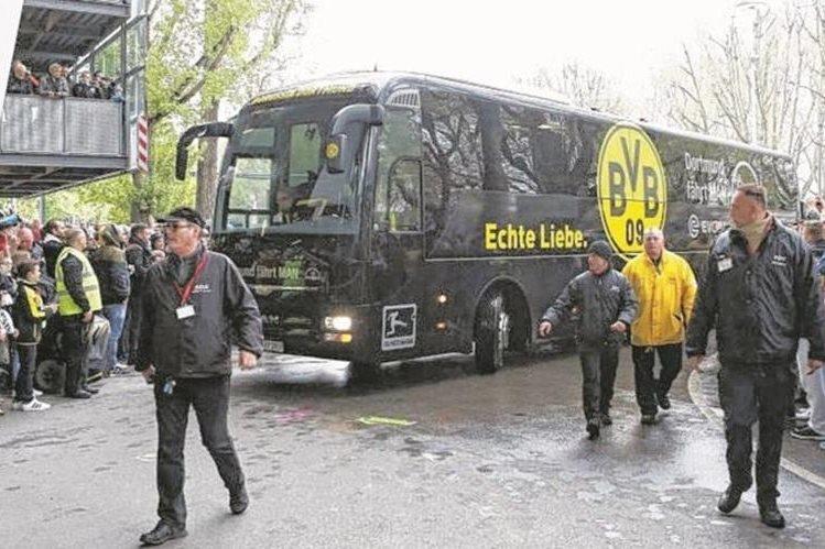 Alemania está en alerta por el incidente que sucedió en el autobús del Borussia Dortmund. (Foto Prensa Libre: Bild)