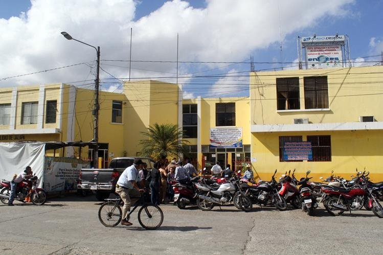 Municipalidad de Jalapa, donde habría ocurrido el robo. (Foto Prensa Libre: Hugo Oliva).