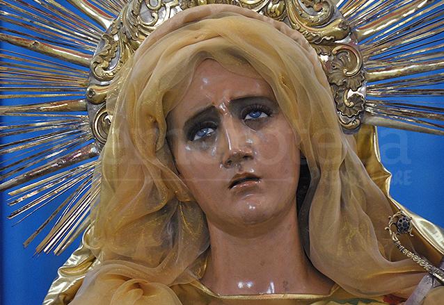 1738: Se Consagra A La Primera Imagen De La Virgen María
