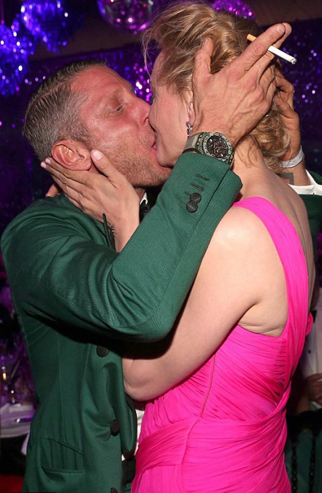 Actress lip kiss - 4 2