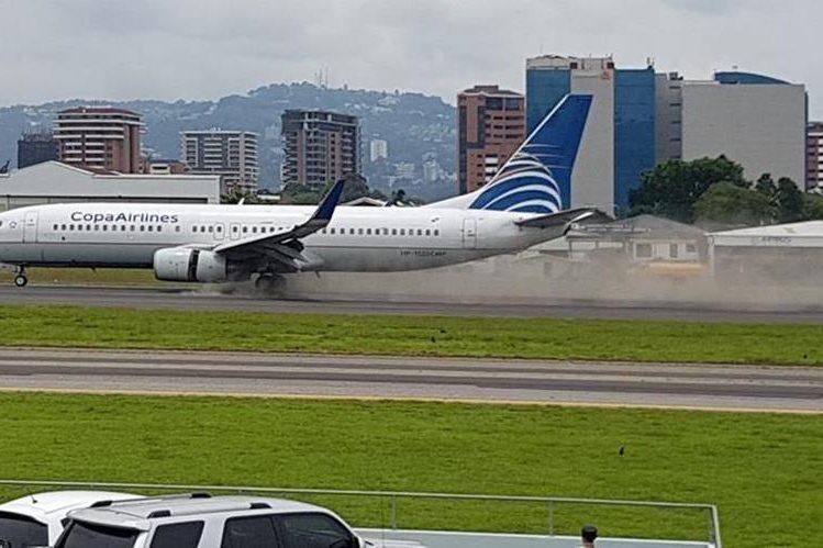 Copa Airlines indicó que sus pasajeros tienen la posibilidad de realizar cambios de fecha en sus itinerarios sin penalidad, para vuelos desde y hacia Ciudad de Guatemala. (Foto Prensa Libre: DGAC)