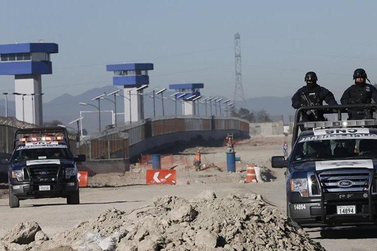El Gobierno de México dijo que toma medidas extremas de seguridad en las afueras del penal del Atltiplano. (Foto Prensa Libre: EFE).