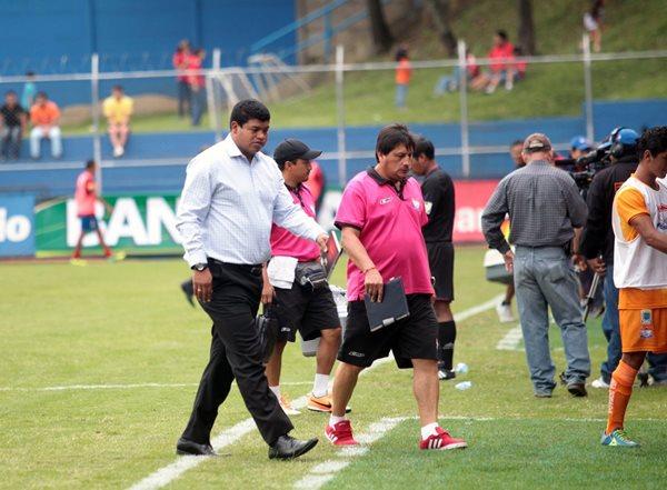 El Costarricense Ronald Gómez podría ser el nuevo entrenador de Malacateco. (Foto Prensa Libre: Hemeroteca PL)