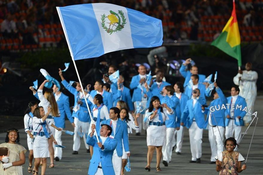 Delegación guatemalteca en la apertura de los Juegos Olímpicos de Londres 2012. (Foto: AFP)